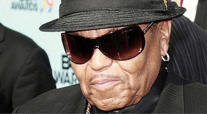 Muere el padre, descubridor y maltratador de Michael Jackson