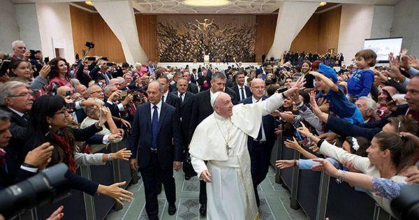 Denuncian en Roma a 300 curas por abusar de menores