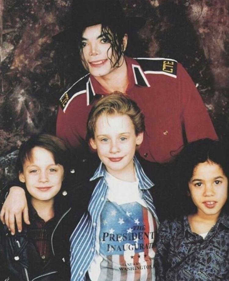 Una ex empleada doméstica reveló que encontró vaselina y ropa interior de menores en la residencia de Michael Jackson