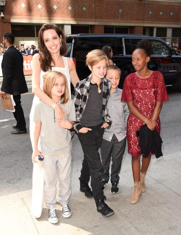 Angelina Jolie y sus hijos (Foto: web)