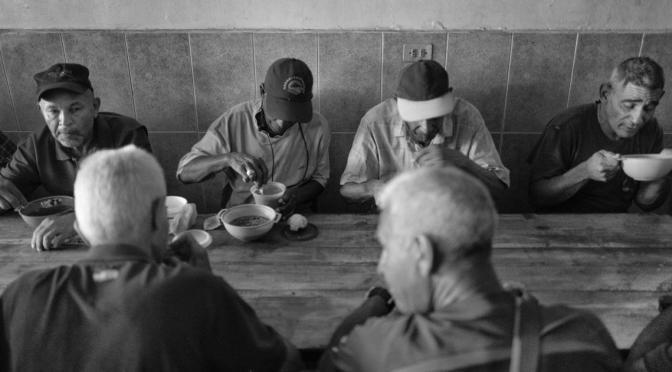Peregrinaje por Caracas para conseguir un plato de comida