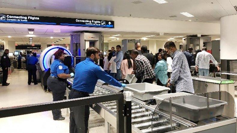 Aeropuerto MIA estrena escáner 3D que evita tener que abrir el equipaje