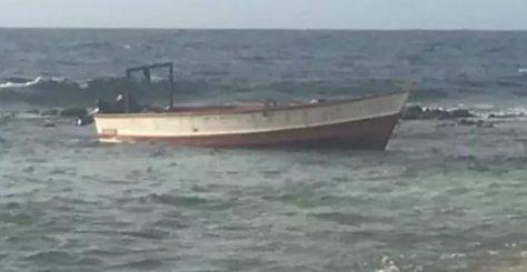Embarcación donde ingresaron los balseros venezolanos. Dos murieron
