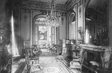 Salas de recibo de la residencia Cobo-Unzué, circa1915.