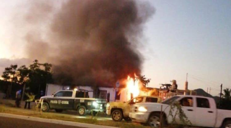 Los Salazar quemaron la casa de una familia donde vivían dos menores de edad (Foto: Especial)