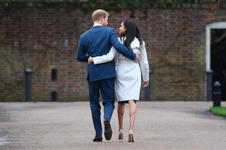 El Príncipe Harry y Meghan Markle en el Palacio de Kensington, en Londres (Foto: Cortesía)