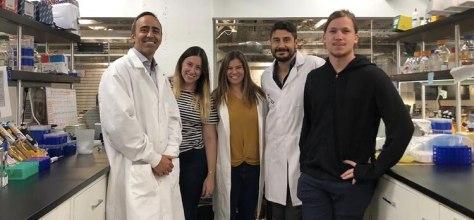 Federico Pereyra Bonnet, Lucía Curti, Carla Giménez, Guillermo Repizo (la primera contratación de Caspr Biotech como director de Bioinformática) y Franco Goytía, creadores del kit de detección del coronavirus