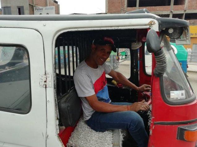 Conocido por todos como el Chino Durruty, este cubano llegó a PERÚ con dos años y se gana la vida como taxista.