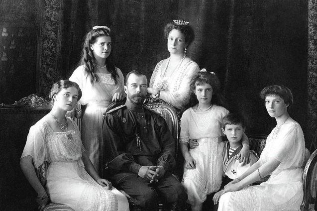 Rusia.- Rusia confirma el hallazgo de los restos de dos de los hijos del zar Nicolás II, incluido el príncipe heredero