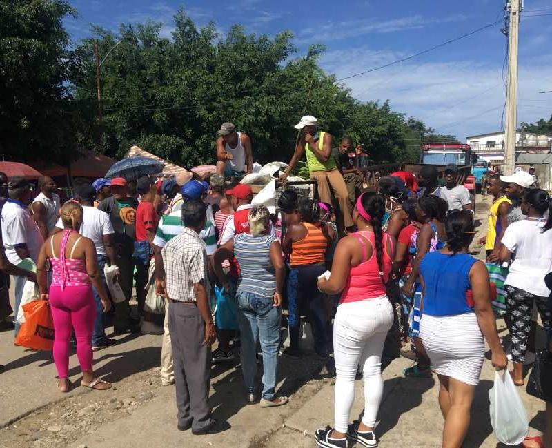Feria agropecuaria en Songo La Maya