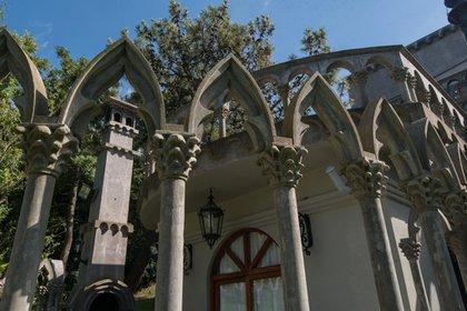Como una joya arquitectónica de estilo gótico con sus arcos apuntados (Diego Medina)