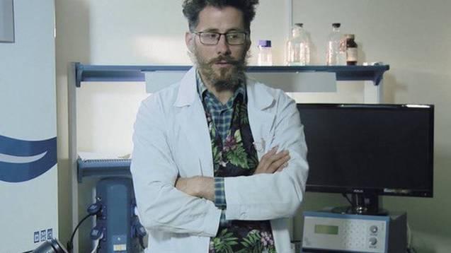 Alexander Kagansky, biólogo ruso, fue hallado muerto después de caer de un piso 14