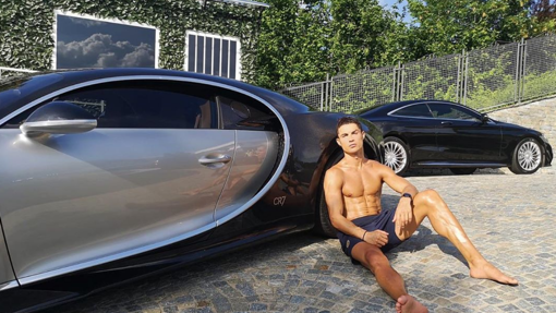 Cristiano Ronaldo atesora grandes y caros vehículos en su garaje