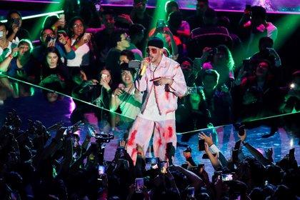 El cantante puertorriqueño Bad Bunny es uno de los artistas latinos nominados en los Grammy 2021 (EFE)