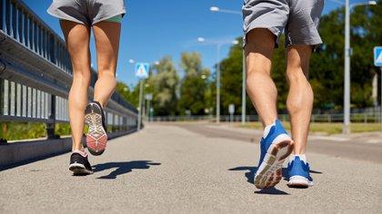 Buscar horarios que nos sirvan y no suspender las salidas a correr (Shutterstock)