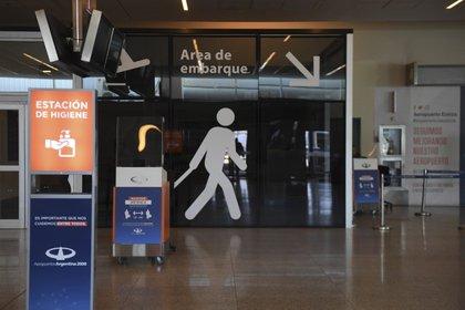 Los argentinos que viajen al exterior podrían tener serios inconvenientes para regresar al país