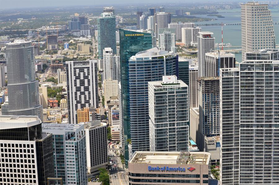 El boom de la propiedad raíz también se ha visto impulsado por el aumento en la demanda de oficinas por parte de grupos corporativos que buscan trasladar sus oficinas a la Florida. (Efe