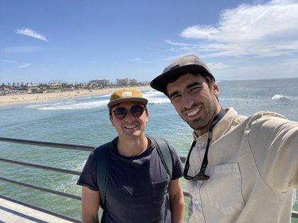 Pedro y Alejandro en Los Ángeles la nueva sede de la marca que nació como un proyecto de facultad