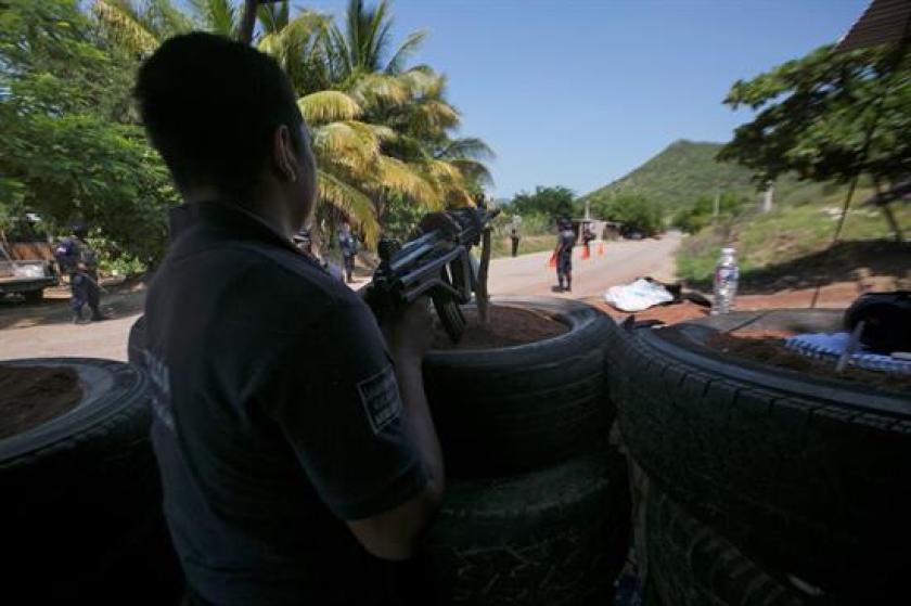 En Michoacán, policías y soldados desplegaron un operativo para tratar de contener la violencia de los narcotraficantes.