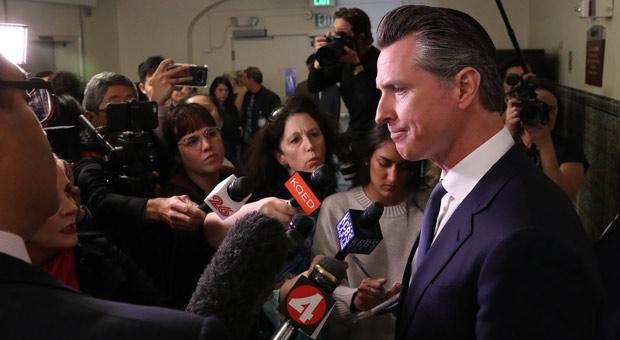 jenner se postula para gobernador de california después de la noticia de que gavin newsom enfrentará una elección revocatoria